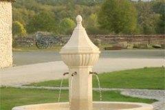 Fontaine de village du XVIIIe siècle
