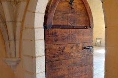 Porte en arc brisé  XIVe siècle