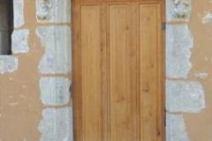 Porte de manoir avec chimères  du XVe siècle